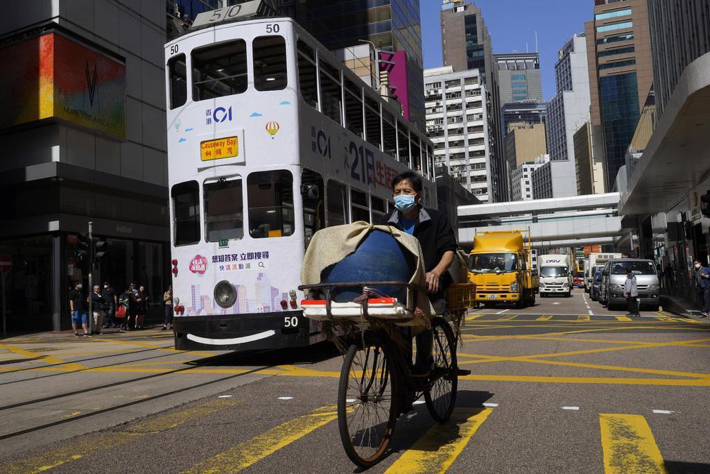 香港政府「禁酒令」方針 飲食店から反発も