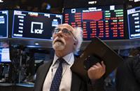 NY株続落、582ドル安 与野党対立、3年ぶり安値