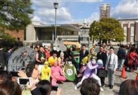 【動画】京都大、卒業式に代わり総長の祝辞動画公開 キャンパスには卒業生も