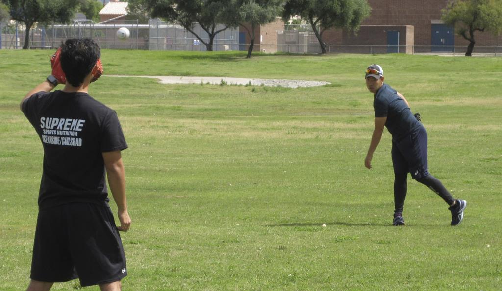 菊池がアリゾナで練習再開 「体を少しいじめる期間」