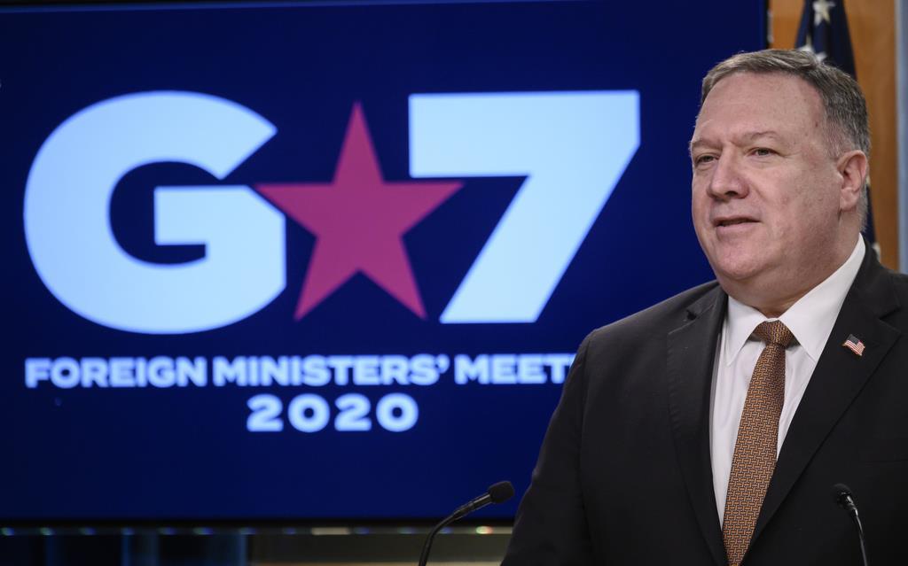 先進7カ国(G7)外相によるテレビ電話会議後に記者会見したポンペオ米国務長官=25日、米国務省(AP)