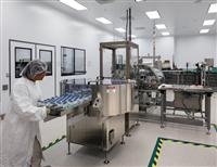 武田薬品が新型コロナ回復者の血液収集、治療薬は最短9カ月で