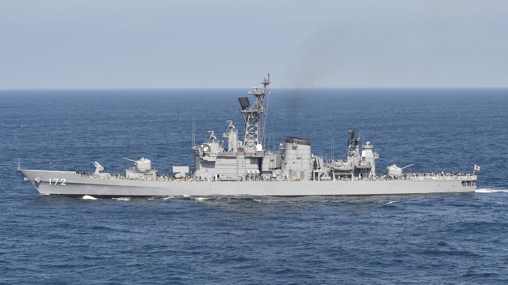 護衛艦、中国漁船と衝突 東シナ海、死者不明者なし