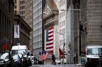 NY株反落、360ドル安 米雇用悪化で景気懸念