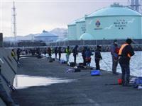春の訪れ告げるサゴシ釣り 今年は昨年の2倍の人気 新潟港でワインド釣法に挑戦した