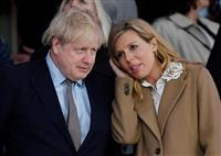 英首相婚約者、コロナ症状 「快方に」と説明