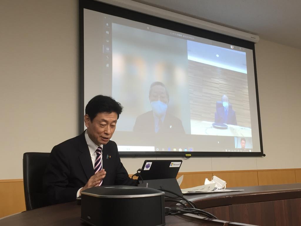 個別休業補償「困難」と西村担当相 経済界とテレビ会議