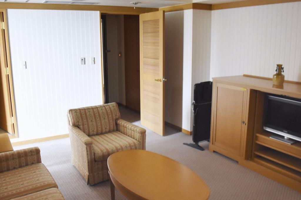大阪府、軽症者は13日に宿泊施設へ