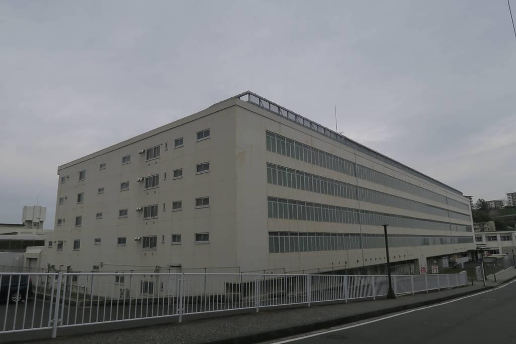 横浜 拘置 支所 法務省 横浜拘置支所 の地図、住所、電話番号