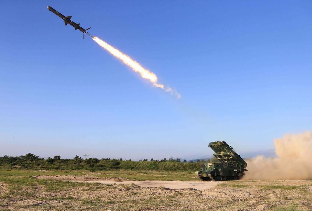 北が巡航ミサイル数発、150キロ以上飛行か 戦闘機も連動 - 産経ニュース