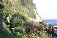 土砂崩れ現場から男性の遺体 神奈川