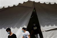 シンガポールで感染者急増、東南アジア最多に 「劣悪な住環境」で拡大