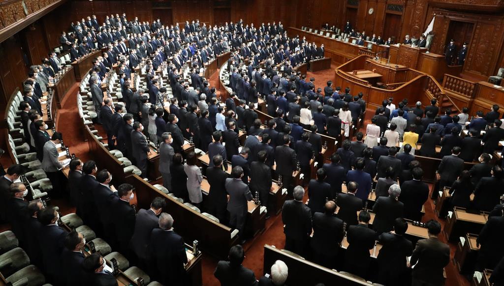 衆院本会議=23日午後、国会(春名中撮影)