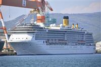 感染の乗員1人入院 伊客船の船外に医療コンテナ 長崎