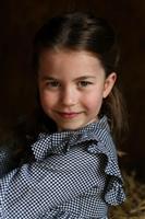 シャーロット英王女5歳に 新型コロナでボランティア