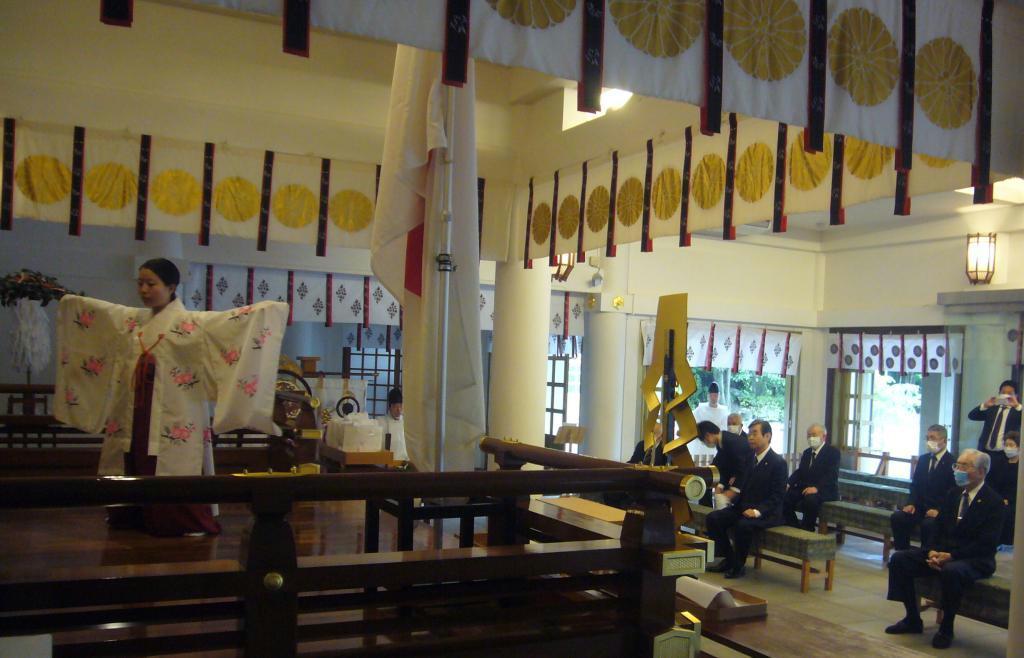 戦死した特攻隊員の冥福を祈る「第8回福岡県特攻勇士慰霊顕彰祭」