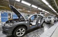 中国、4月の工業生産が4カ月ぶりプラスに 小売売上高はマイナス続く