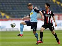 長谷部ら出場も敗れる 再開のドイツサッカー