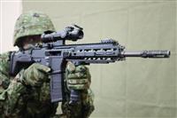 陸自新小銃「20式」公開 離島防衛想定、海水に強く