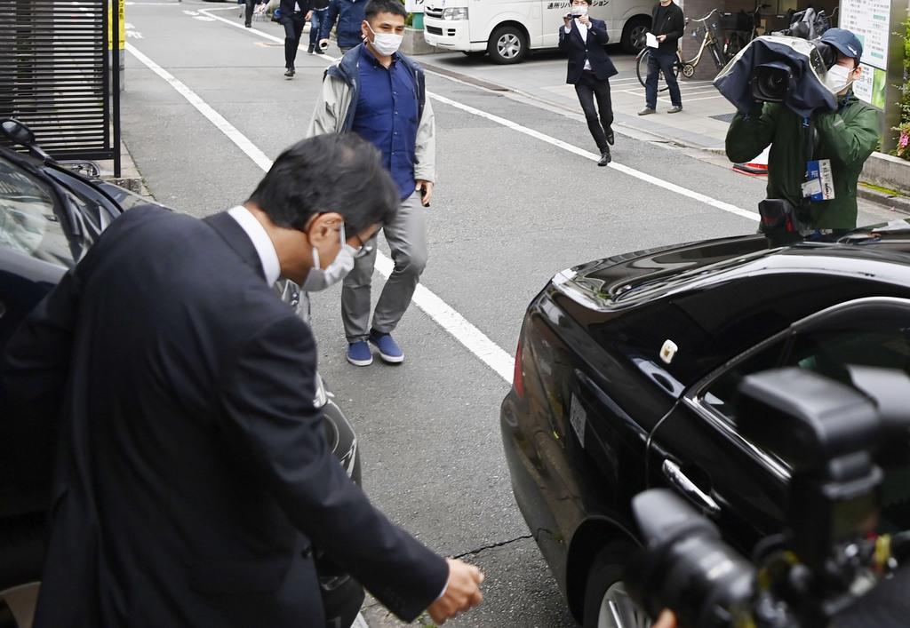 与党は政権擁護、野党は首相ら追及へ 黒川氏辞表提出