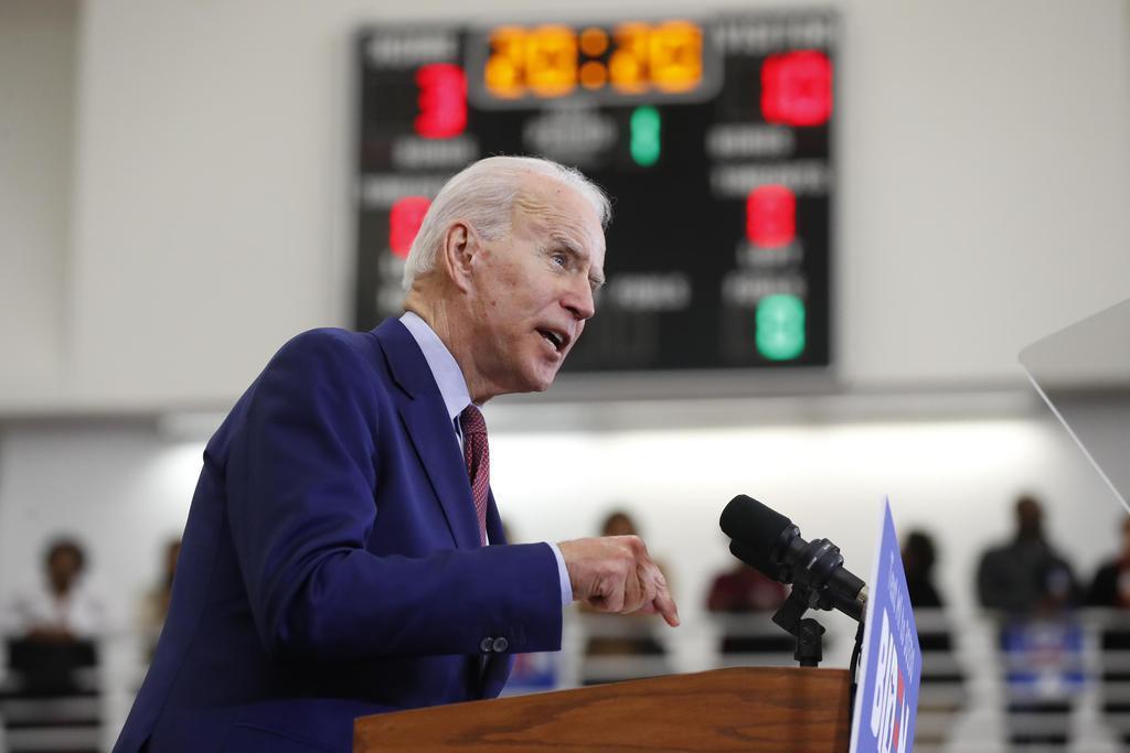 米デトロイトで開かれた選挙集会で演説するバイデン前副大統領=3月(AP)
