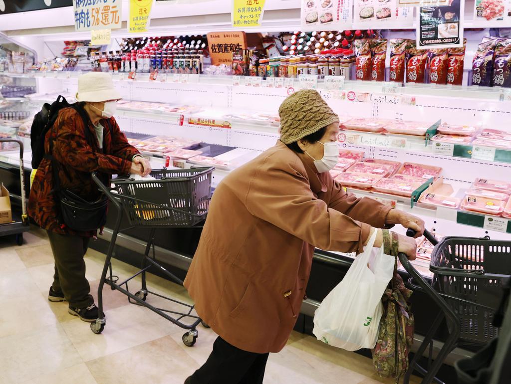 【経済インサイド】巣ごもり消費で食費負担増 景気浮揚に影響も