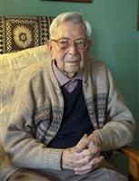 世界最高齢の英男性死去 がん闘病、112歳