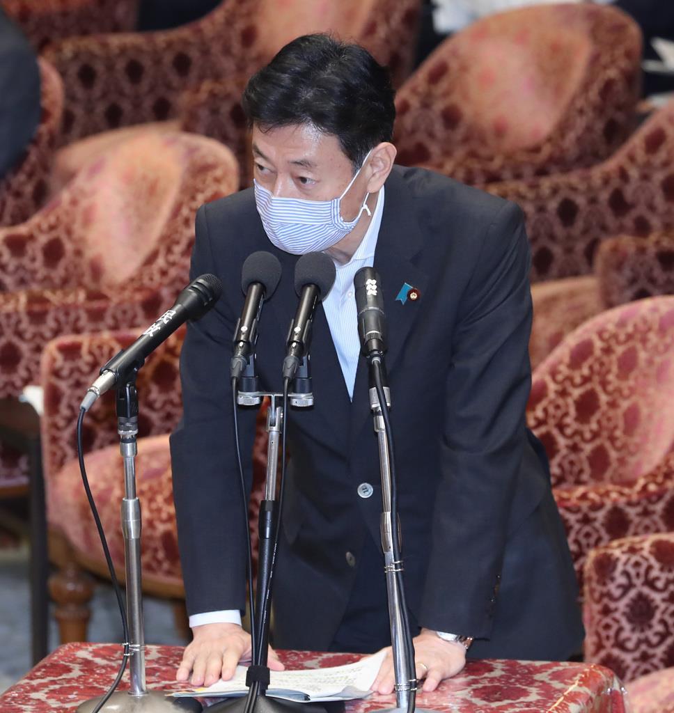 西村康稔経済再生担当相=27日午後、国会・衆院第16委員室(春名中撮影)
