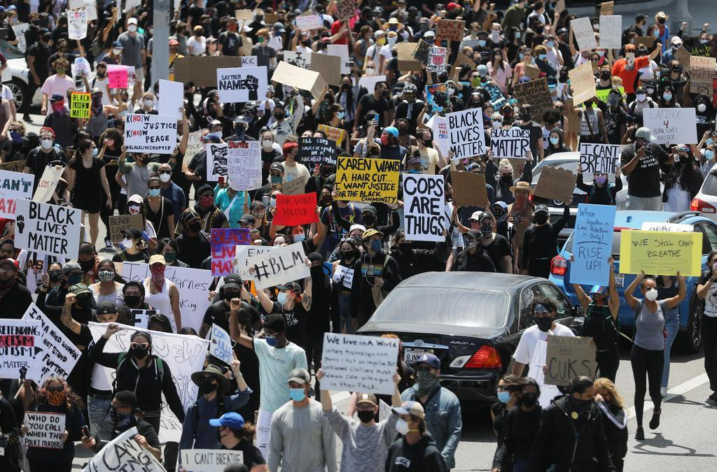 米抗議デモ、50都市以上に拡大 黒人暴行死 14州以上が州兵…