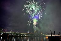 【動画】希望の花火で闇を照らす コロナ収束願い各地で打ち上げ