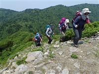 登山でマスク、熱中症や高山病にリスクも「まずは近場、少人数で始めて」
