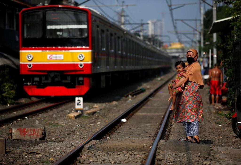 インドネシアは中国が受注した高速鉄道事業の延伸計画で日本に協力を要請する=ジャカルタ(ロイター)