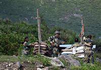 中印衝突、中国紙は「インドが実効支配線越えた」と主張