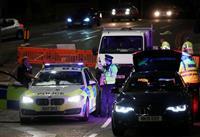 英警察、テロ事件として捜査 南部での刺傷事件