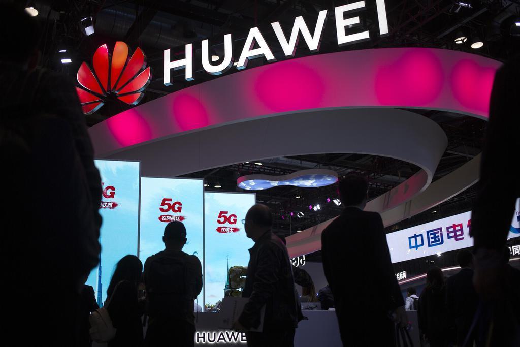 北京で開催された展示会での中国華為技術(ファーウェイ)の展示=2019年10月(AP)