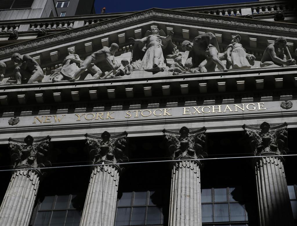 ニューヨーク証券取引所の建物=12日(UPI=共同)