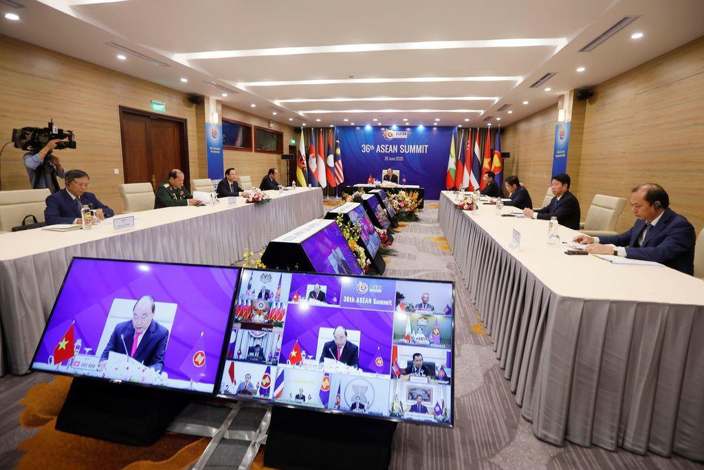 東南アジア諸国連合(ASEAN)は27日、テレビ会議形式で26日に開催した首脳会議の議長声明を発表した(ロイター)
