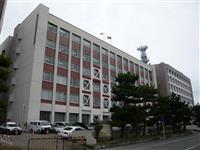 教諭、盗撮カメラ設置疑い 秋田県条例初適用し逮捕
