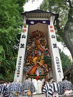 博多・櫛田神社で高さ13メートル「飾り山」奉納 山笠延期で1基制作