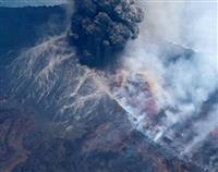 西之島、噴煙4700メートル 観測史上の最高高度に