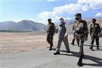 インド首相、中国との係争地訪問 対抗姿勢強める