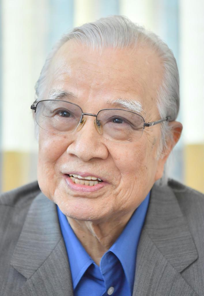 【話の肖像画】作家・阿刀田高(85)(14)今も原稿用紙に手書き