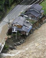 豪雨 住宅被害4700棟 本州に拡大 岐阜など59河川氾濫