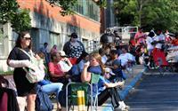 米失業保険申請131万件 減少続くも高止まり