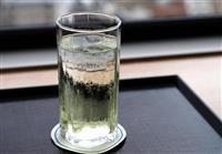 【ヒューリック杯棋聖戦】午前のおやつ 藤井七段は白ぶどうジュース、渡辺棋聖はチーズケー…