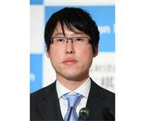 第一人者の貫録 井山が本因坊9連覇、芝野破り歴代2位タイ