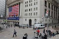 NY株、一時500ドル超安 新型コロナの影響懸念
