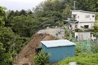 長野県飯田市の斜面崩落、73歳男性が死亡、大雨影響か