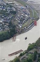 九州豪雨 道路、鉄道橋が20カ所流失 想定外の水位、流木影響も
