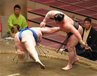 白鵬、朝乃山が全勝守る 正代と照富士が1敗追走